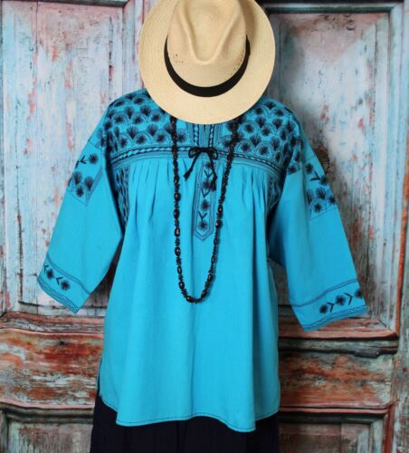 L/XL Turquoise & Black Embroidered Blouse Tlahuitoltepec Oaxaca Mexico Cowgirl