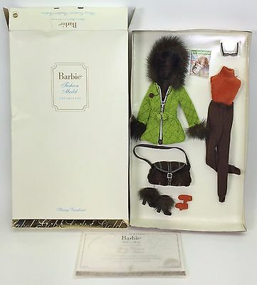 BARBIE FASHION MODEL COLLECTION SKIING VACATION FASHION GOLD LABEL NIB