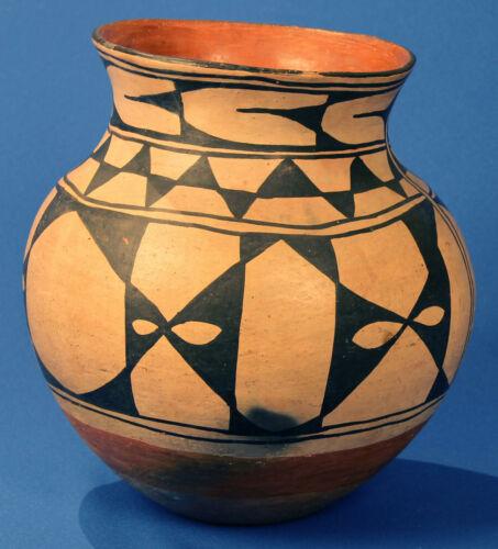 "Historic Era c.1920  Large 11"" x 11 Santo Domingo Pottery Olla  Beautiful Patina"