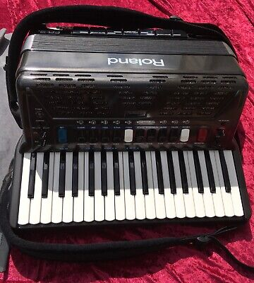 Roland FR-3s V Accordion Used - Excellent Condition and hardly played!