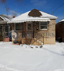 3 BED/1 BATH - UPGRADED HOUSE FOR RENT @ HAMILTON | DOWNTOWN