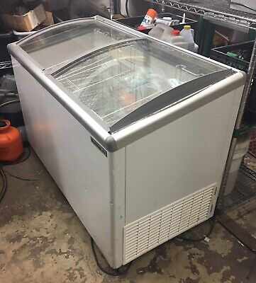 Beverage Air Slant Top Bunker Chest Reach In Freezer
