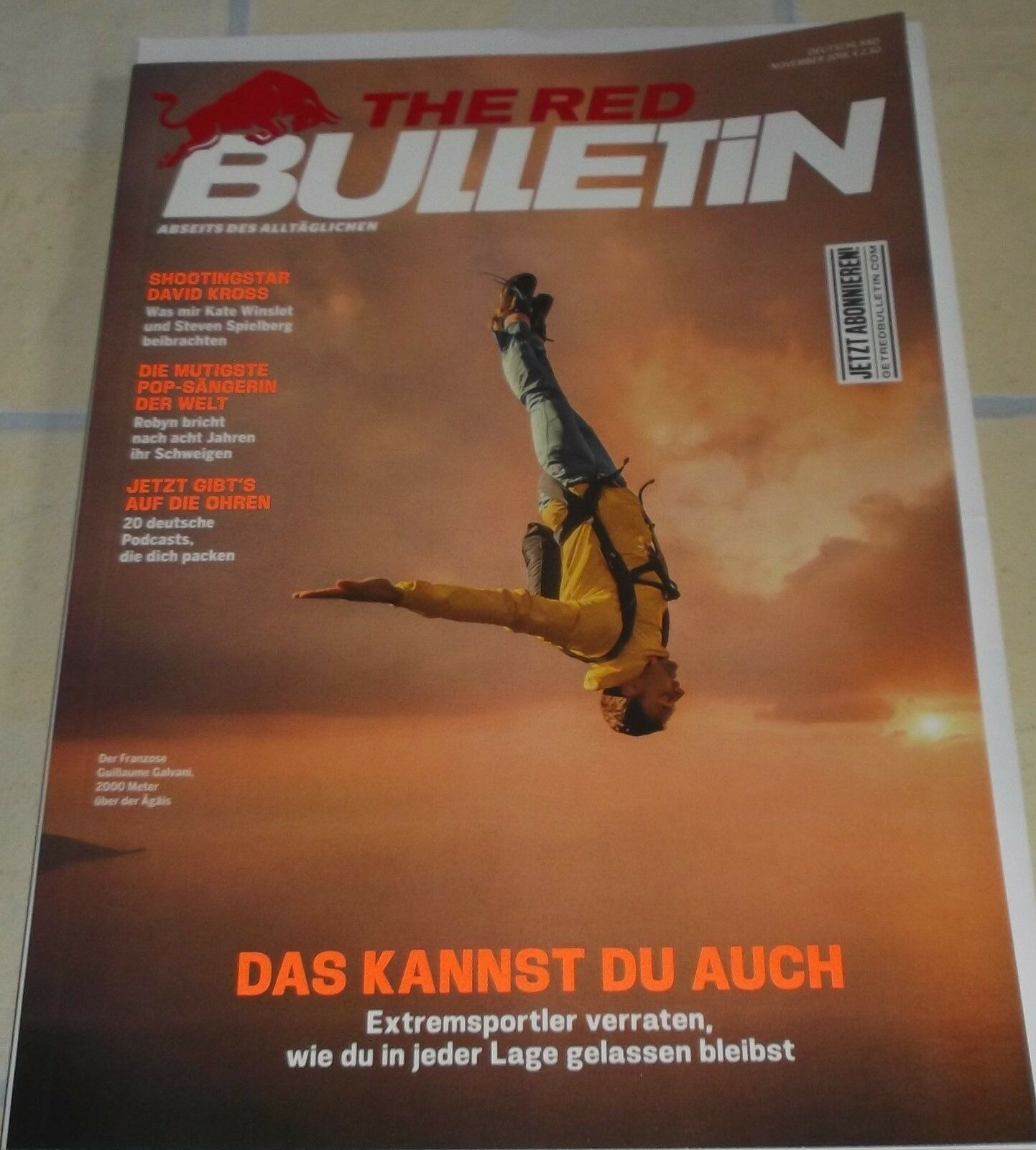 Red Bull Bulletin 11/18,Extremsport,Bergsteiger,Polarforscher, Karate,Radsport