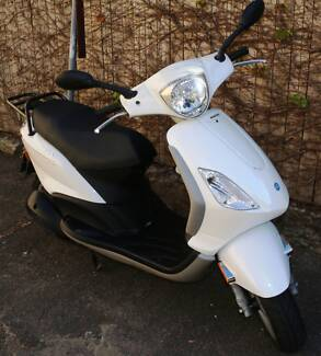 PIAGGIO FLY 150 Scooter - Beautiful scooter with new Rego and Oil Manly Manly Area Preview