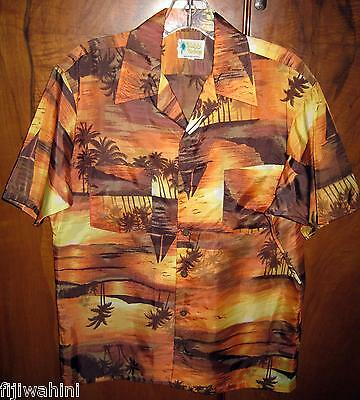 VINTAGE WAIKIKI HOLIDAY HAWAIIAN SUNSET SAILBOAT LIGHTHOUSE 2 POCKET SHIRT M for sale  Apple Valley