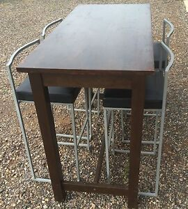 Timber table with 4 bar stools Bunglegumbie Dubbo Area Preview