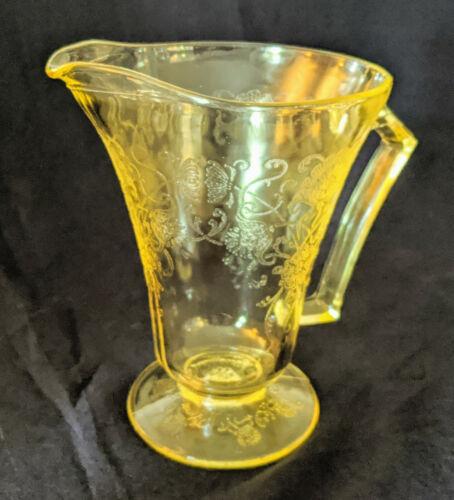 HAZEL ATLAS FLORENTINE / POPPY YELLOW DEPRESSION GLASS PITCHER