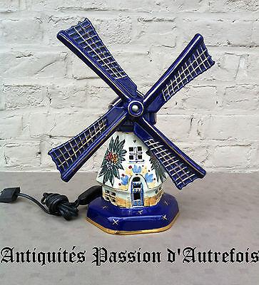 B20140585 -Très belle lampe en forme de moulin en faïence - TB état - Fonctionne