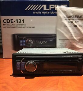 Alpine CDE-121 Car Deck/Stereo! Great condition.