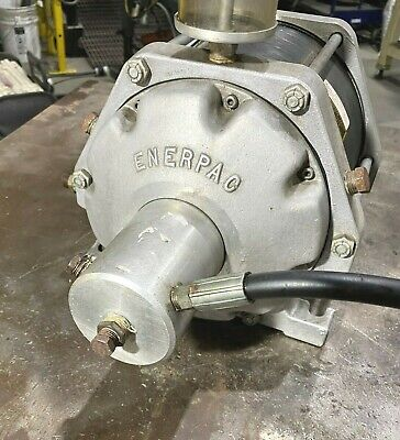 Good Condition Enerpac B-3304 Air Hydraulic Booster Intensifier B3304