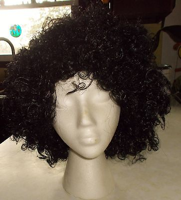 70'S BLACK CURLEY HAIR WIG ONE SIZE FITS ALL HALLOWEEN COSTUME TOTALLY GHOUL