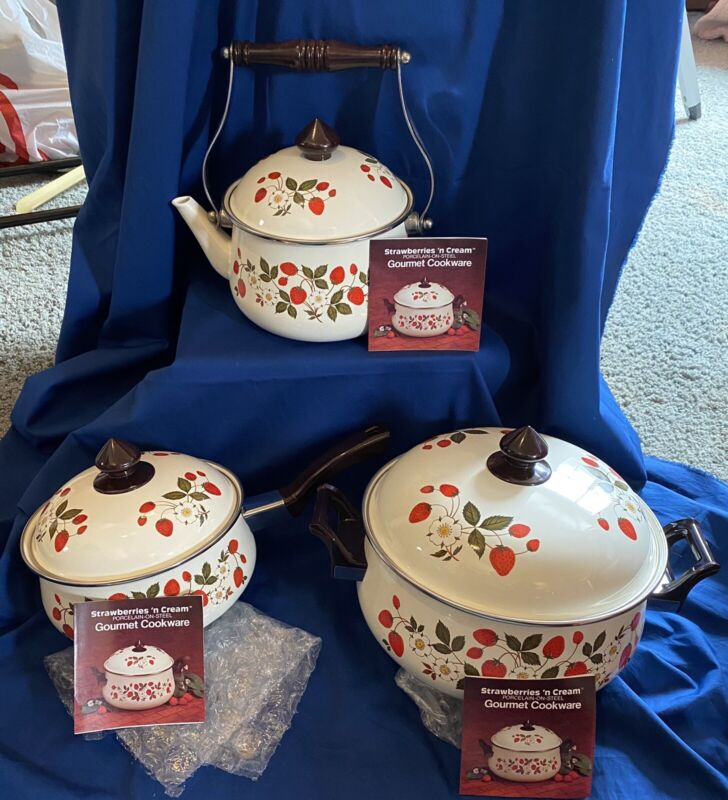 Sheffield Strawberries N Cream Lot Of 6 Pcs Saucepan, Casserole, & Teapot , Lids