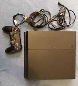PS4 CONSOLE CONTROLLER AND NHL 17 GAME