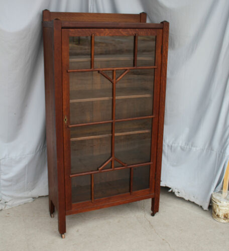 Antique Mission Oak Bookcase – single door – 31 inches wide
