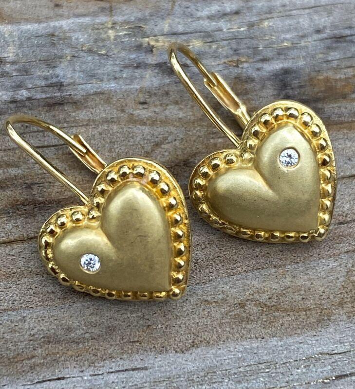 18k Yellow Gold heart drop diamond earrings, 5.2g, 0.03tcw