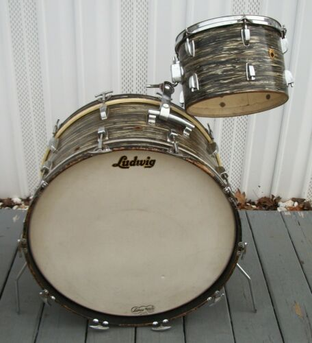 Vintage LUDWIG 1966 Black Oyster Pearl Bass and tom tom DRUM SET