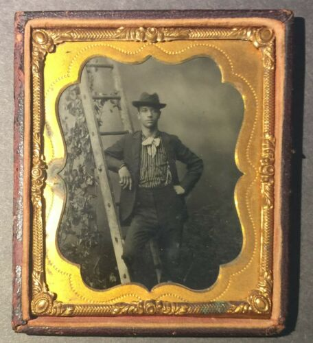 1860s BLACK GENTLEMAN LEANING ON LADDER - ACTOR ? - 6TH PLATE TINTYPE