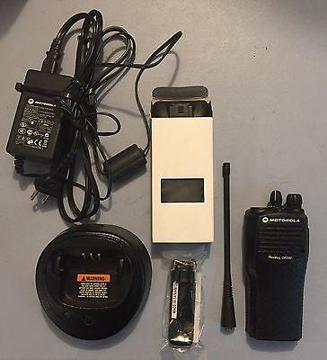 Motorola Cp200 Uhf Radio Refurbished 16 Ch 438-470 Mhz With New Accessories