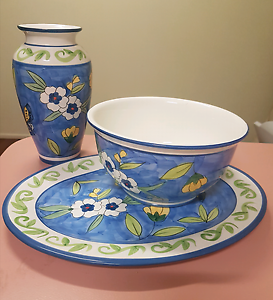 Ceramic vase, bowl and serving plate set Everton Hills Brisbane North West Preview
