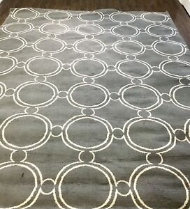 *** Area Rug / Carpet - Light Grey ***