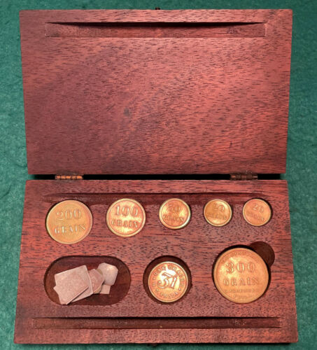 Antique Boxed Apothecary Gold Scale Brass Balance Weights in GRAIN