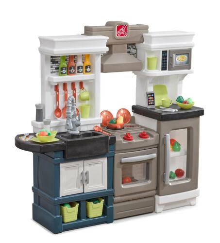 Step2 (879799) Modern Metro Kitchen - Kids Play Kitchen - BRAND NEW