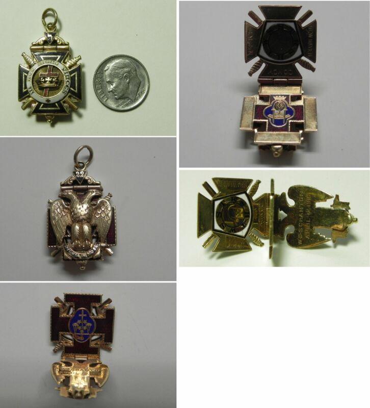 J849 Antique 14K Solid YG 32nd Degree Enameled Masonic Tri-Fold Hinged Watch FOB