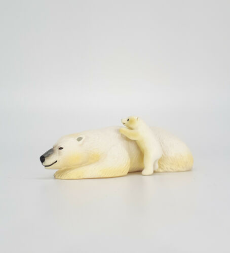 Colorata, Polar Bear and Cub
