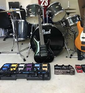 Pedal board and pedals