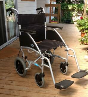 Wheelchair TR Swift 18x16 Light, hardly used, excellent condition