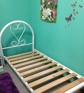 Single bed - White no mattress Mayfield West Newcastle Area Preview