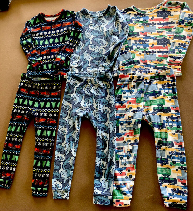 GAP Lot Of Boys Pajamas size 4T Christmas~Alligators~Vehicles