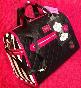 BETSEY JOHNSON WEEKENDER STRIPED FUSHIA DUFFLE BAG W/ SEQUIN PATCHES LUGGAGE NEW