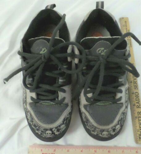 vintage Heelys w/Skulls collectible old skate shoes w/wheels kids size 5