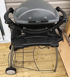 Electric portable grill, Weber Q140 with cart