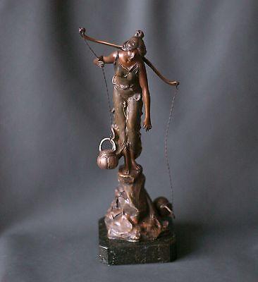 Jugendstil-Bronze - Wasserträgerin -, Prof. Victor Seifert,  signiert, um 1900