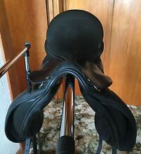 Dressage saddle Lindisfarne Clarence Area Preview