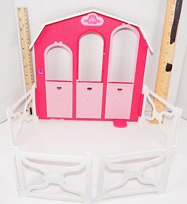 HORSE STABLE TOY PLAYSET - FROM BARBIE SISTERS STABLE COLLECTION USED 2012