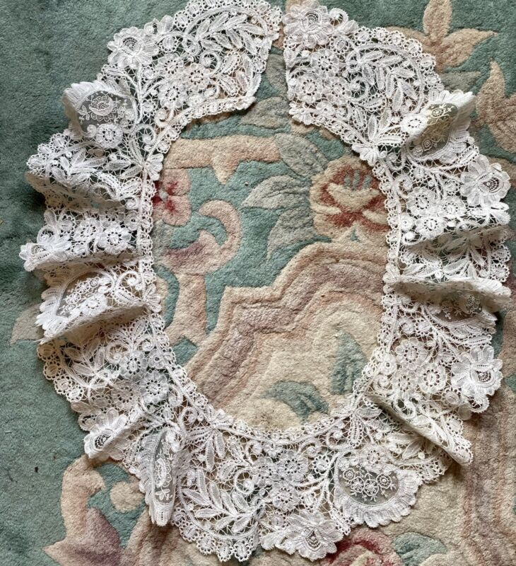 Extremely Rare Early Antique Ladies Handmade Lace Collar