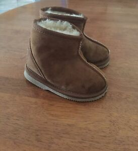 Kids Ugg boots Bonbeach Kingston Area Preview