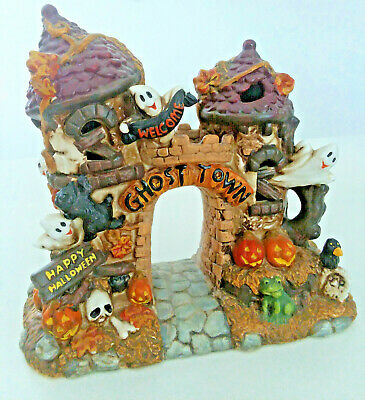 HAUNTED Halloween Ghost Town Pumpkins Skulls R.I.P Miniature-Decoration Resin