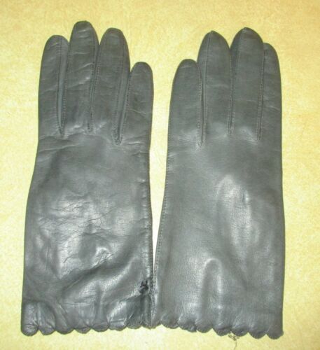 Womens Gray Gloves by Superb with Silk Lining - Italy - WT Size 7