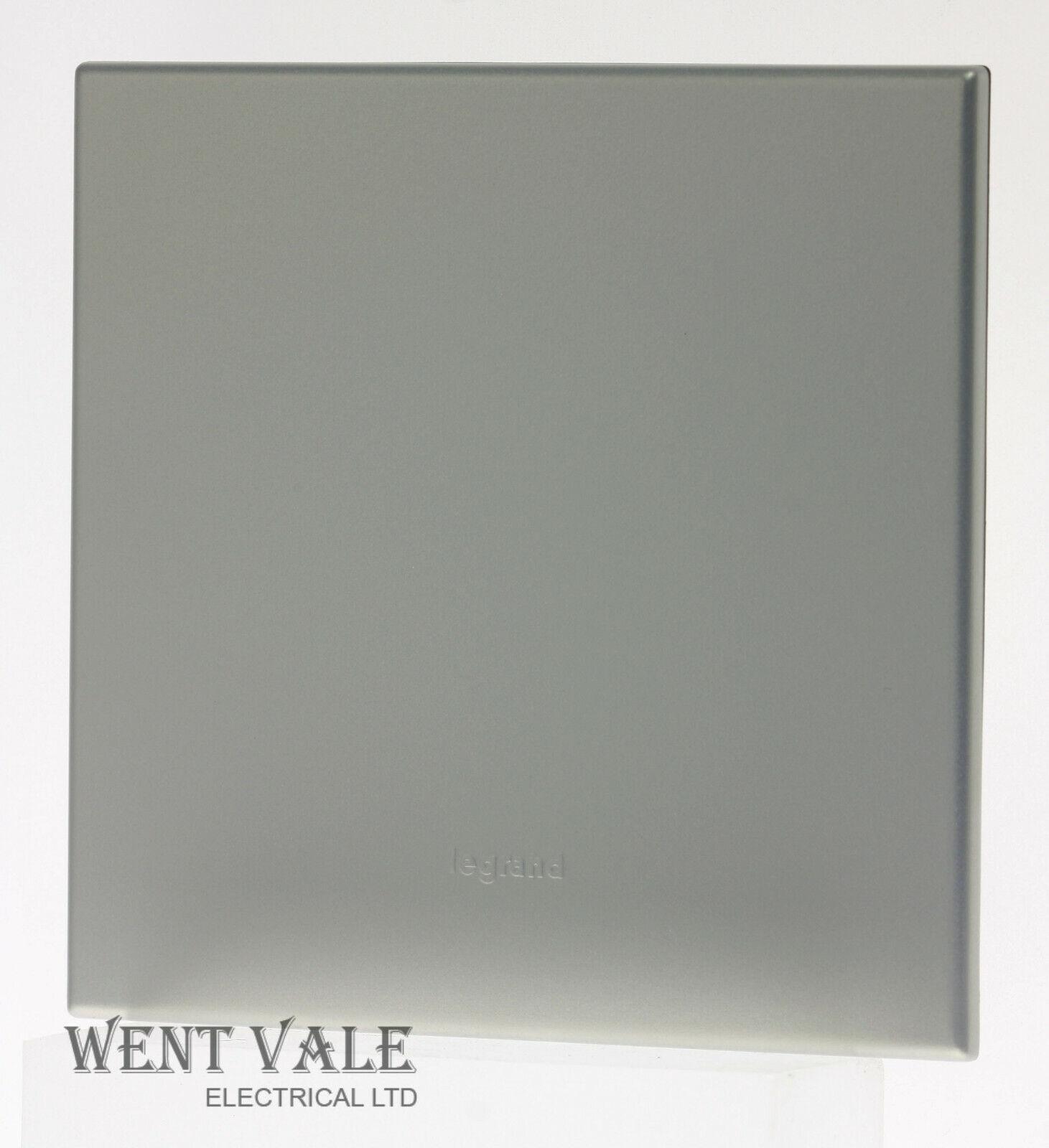 Legrand Arteor Neutral Range - 5751 31 - Pearl Aluminium 1 Gang Blank Cover Plate