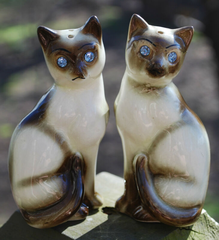 Vintage SIAMESE CAT Blue Rhinestone Eyes Ceramic Salt Pepper Shakers Japan 1960s