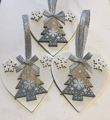 3 X Handmade Christmas Decorations Shabby Chic Wood Heart Tree Bows Silver Grey ()