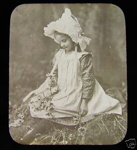 Glass-Magic-lantern-slide-A-VICTORIAN-GIRL-IN-THE-WOODS-C1890
