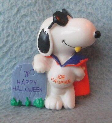 SNOOPY HALLOWEEN JOE COOL VAMPIRE PVC FIGURE Peanuts Cake - Cool Halloween Cakes