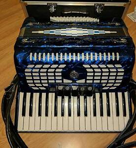 Rossetti 60 Bass, 34 Key 5-Switch Piano Accordian - Dark Blue Woongarrah Wyong Area Preview