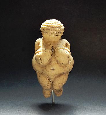 VENUS OF WILLENDORF REPLICA Paleo Ancient art paleolithic archaeology artifact
