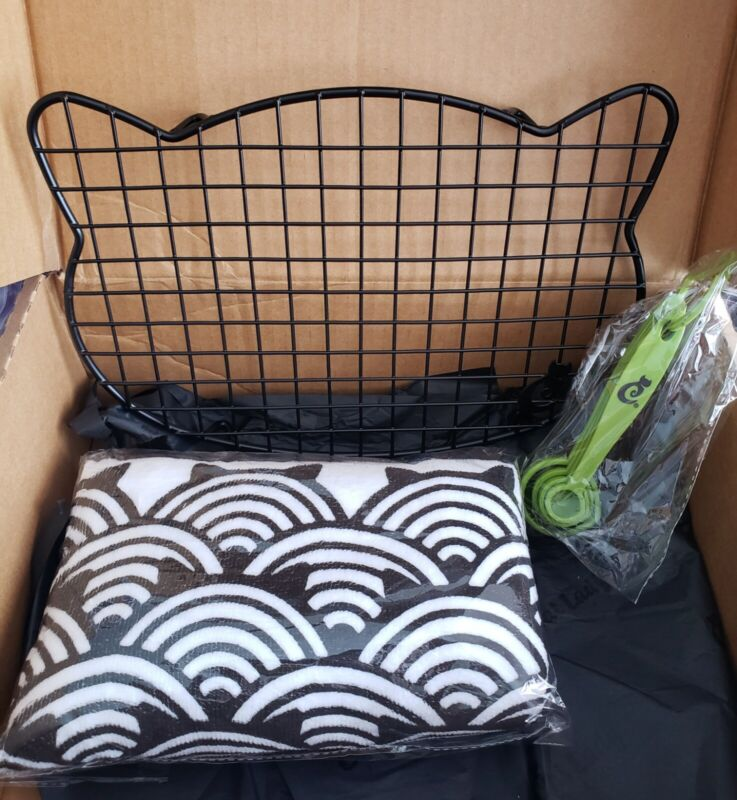 Cat Lady Box Exclusives Lot of 3- Cooling Rack/2pk Dishtowels & Measuring Spoons